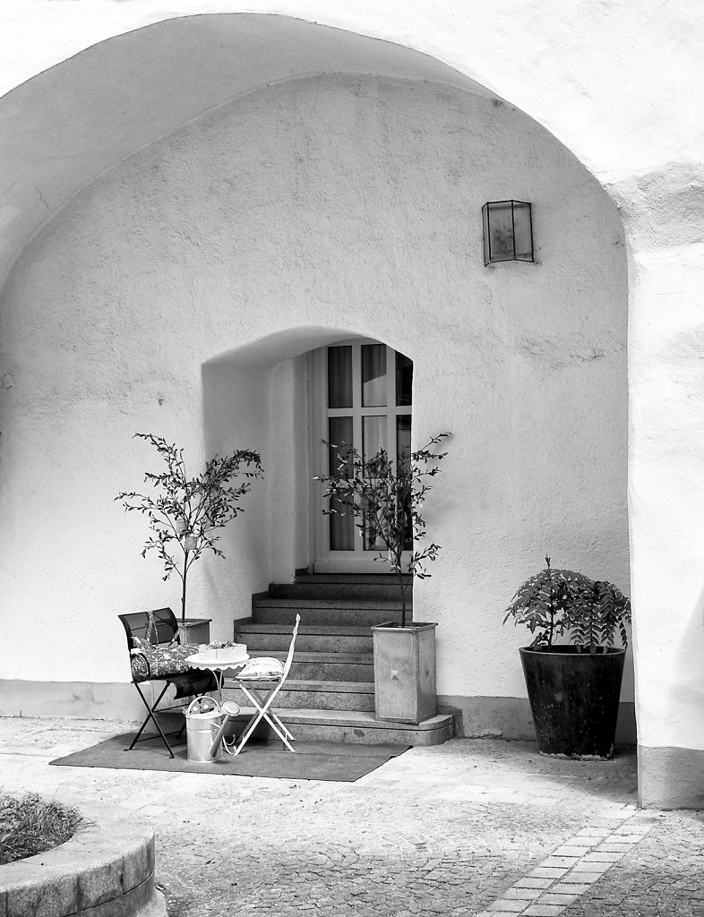 Alcove in Courtyard