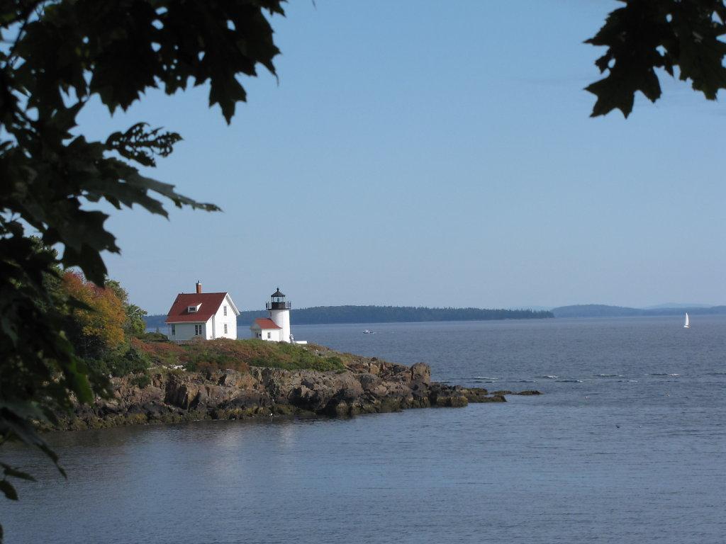 Lighthouse , Maine