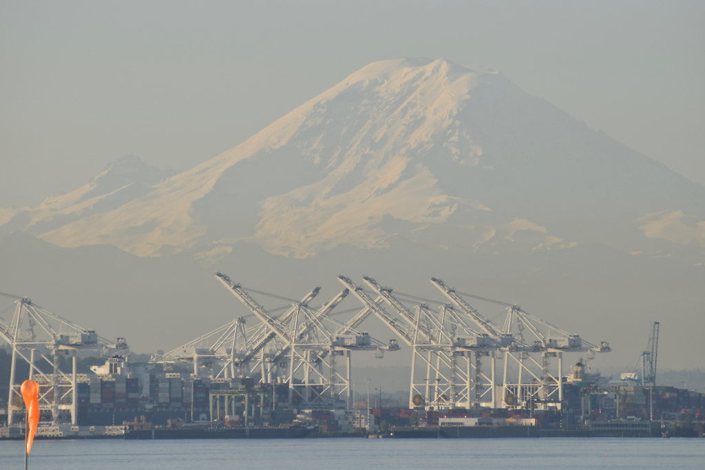 Mt Ranier taken from Seattle