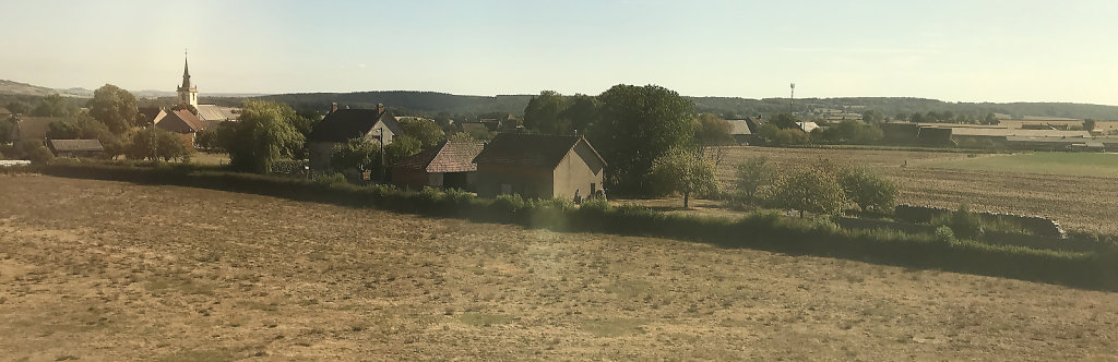 Countryside between Lyon & Paris